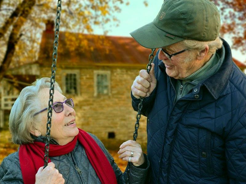 ¿Preocupado por el envejecimiento de tus padres? 8 signos de salud a los que debes prestar atención