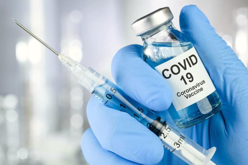¿Debería ser obligatoria la vacuna COVID-19?