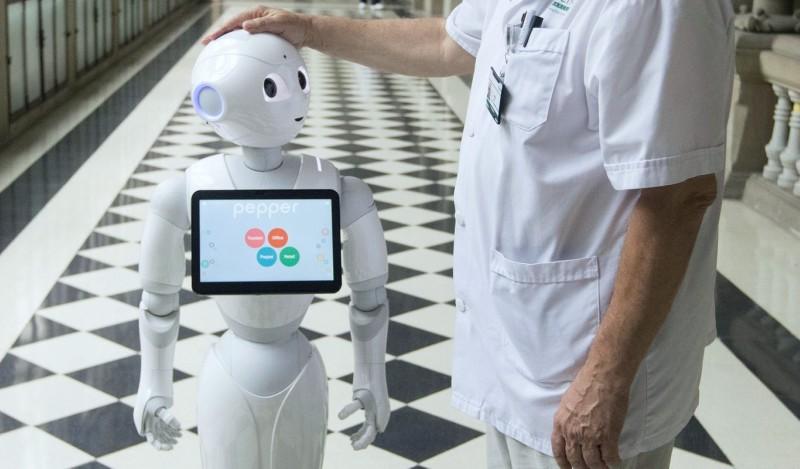 Robots parlantes podrían usarse para combatir la soledad y mejorar la salud mental en los hogares