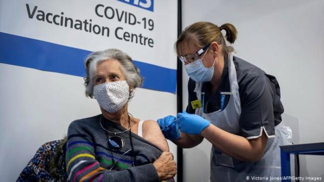 Recomiendan precaución en pacientes alérgicos antes de recibir la vacuna de  Pfizer/BioNTech