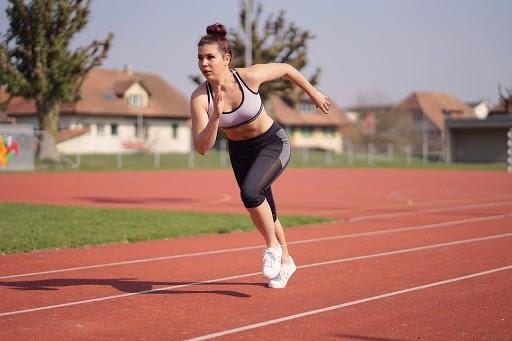 Rutina deportiva: recomendaciones, ropa y dispositivos para la actividad física