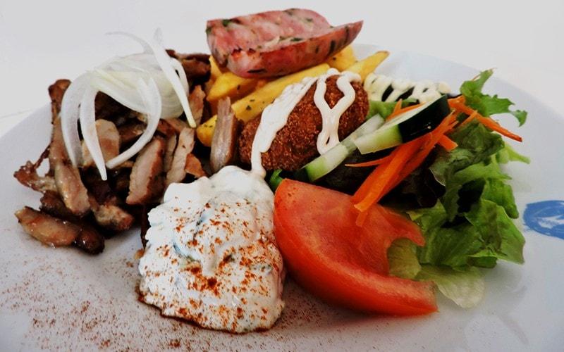 Comparte lo saludable y natural de la comida mediterránea